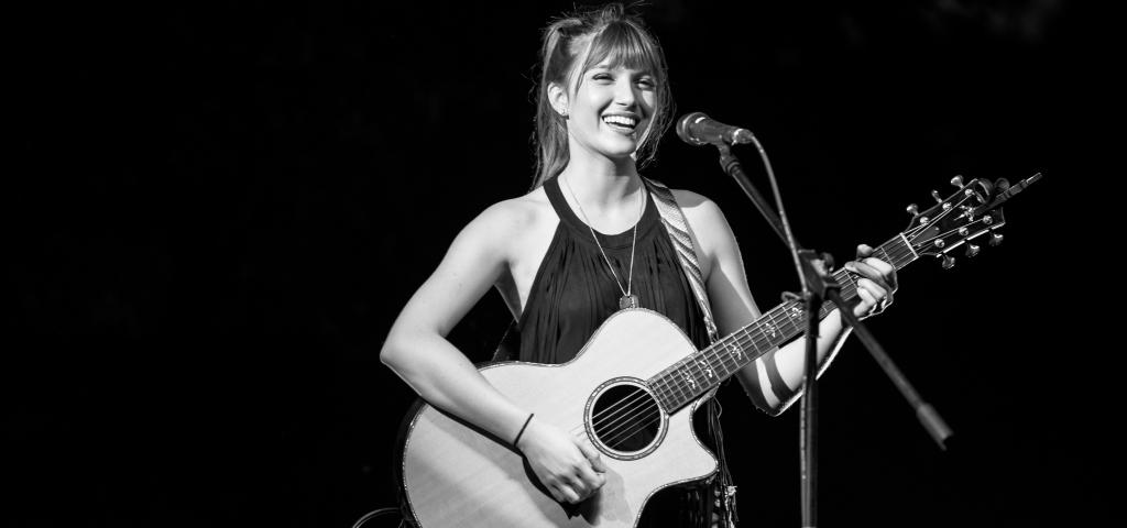 Meet Savannah Lynne, Winner of the Marriott Rewards® Card Battle of the Bands