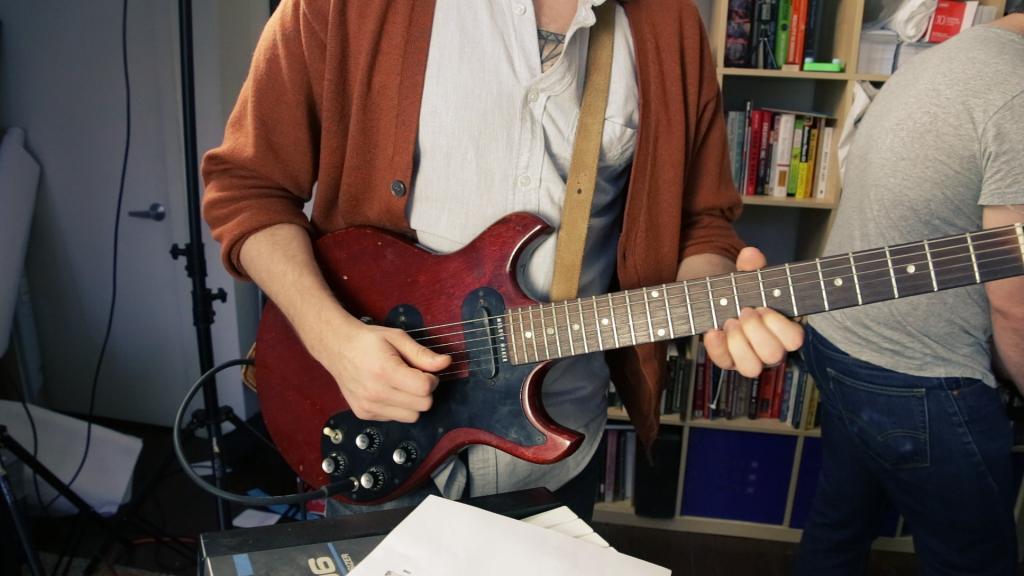 playing-guitar-1024x576