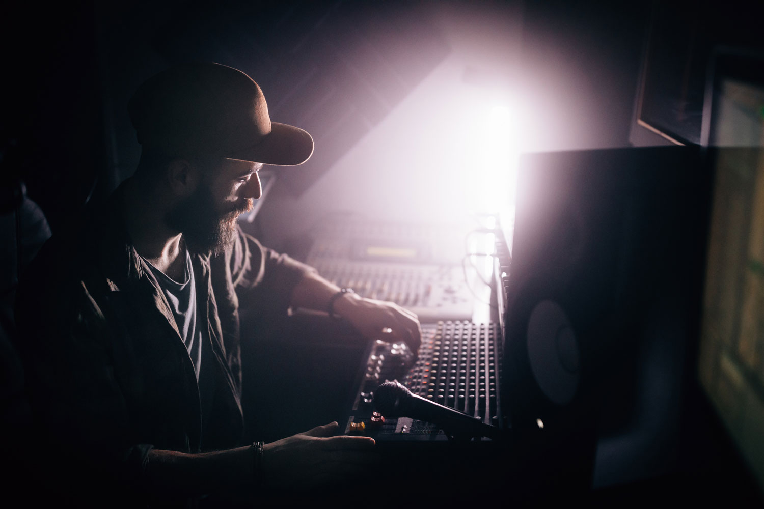 5 Fundamental Skills Of Successful Music Producers