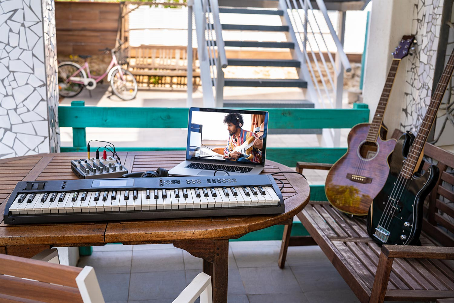 4 Tips For Teaching Online Music Lessons | ReverbNation Blog