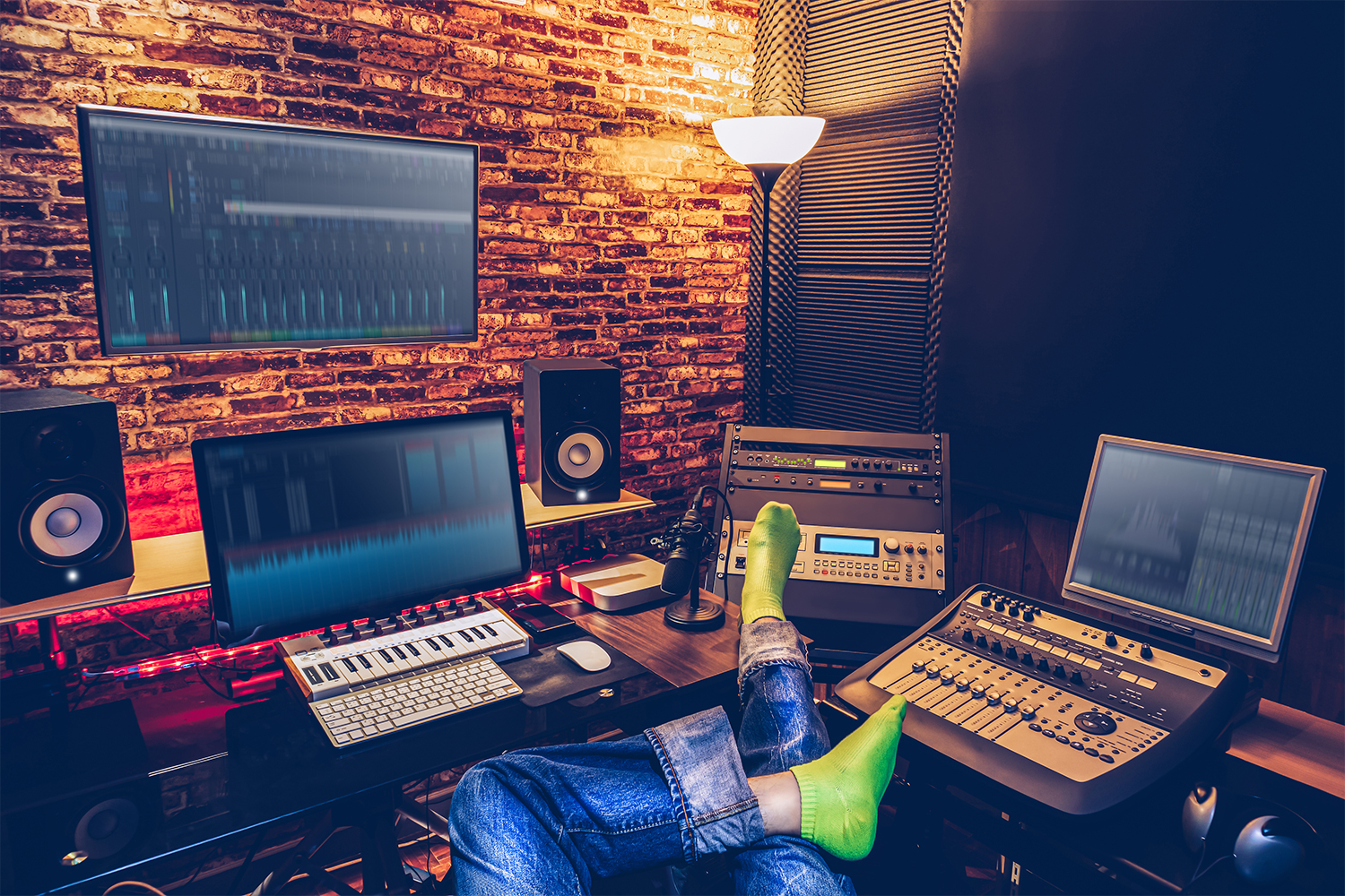 4 Ways To Radically Change Your Songwriting Practice