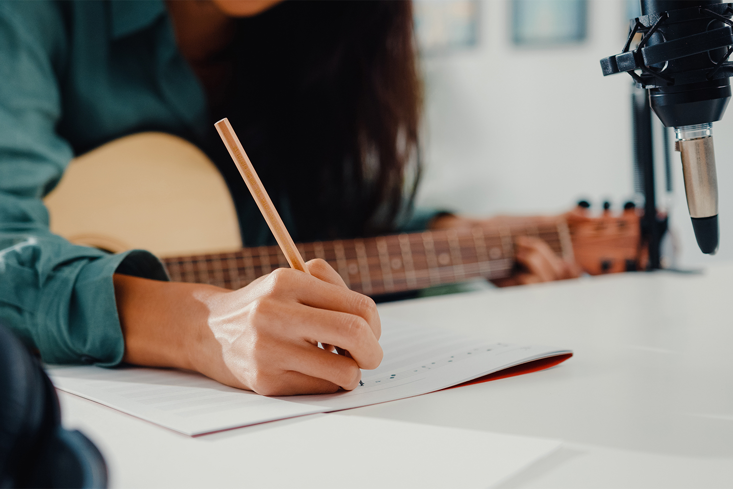 4 Motivation Tips For Songwriters